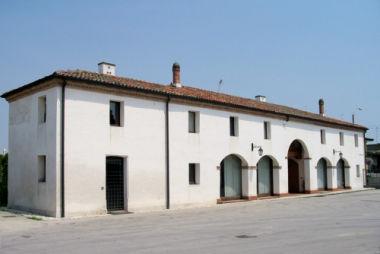 Barchessa di villa Albertini Fortis, Favaro