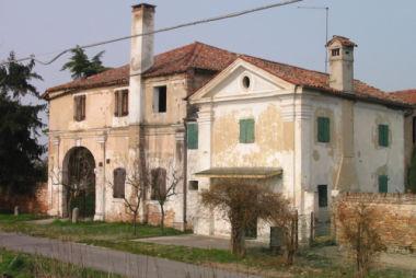 Barchessa di villa Alberghetti