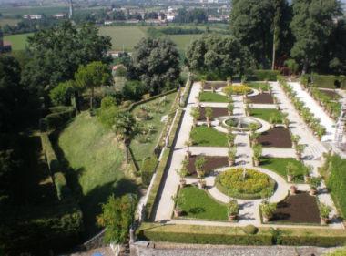 Giardino del Castello Maltraverso, Chiericati, Contarini, Donà, Grimani, Marcello, Sorlini