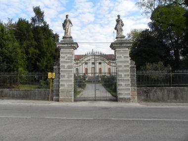 Giardino di Villa Angaran delle Stelle, Grimani, Trevisan, Seganfredo, Cattaneo