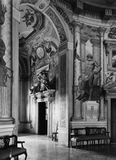 """Villa Almerico, Capra, Conti Barbaran, Albertini, Zannini, Valmarana, detta """"La Rotonda"""""""