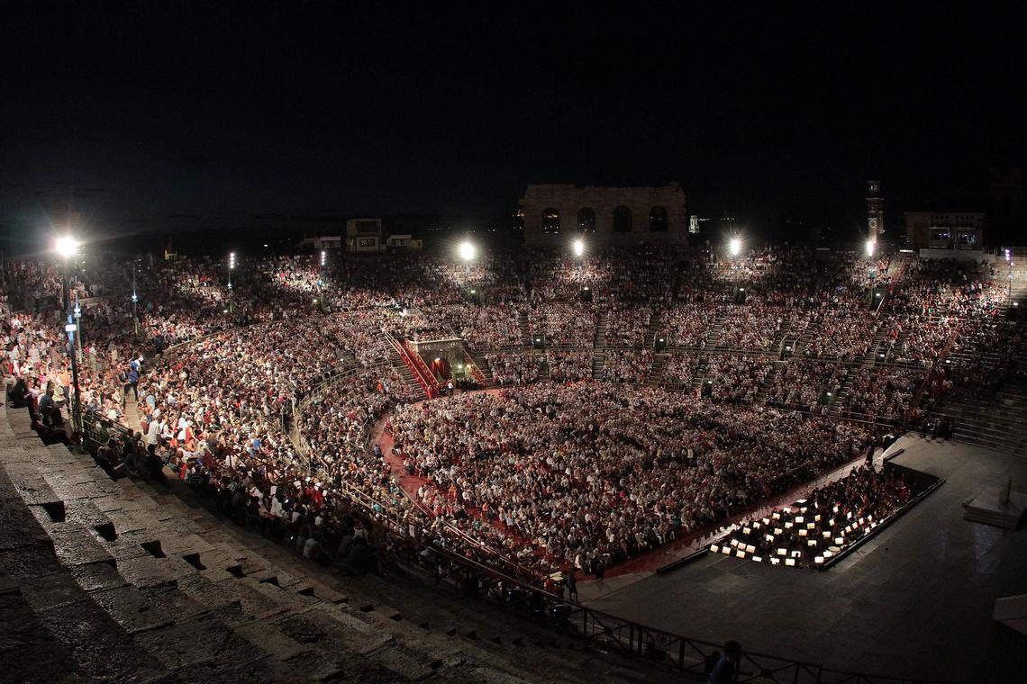 Arena Verona, pubblico a spettacolo serale