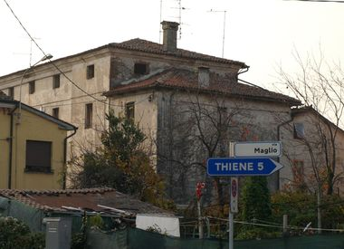 Giardino di Villino Schio, Tornieri, Carretta