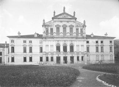 Giardino di Villa Valmarana, Mangilli, Morosini, Emiliani, Accademia Olimpica di Vicenza