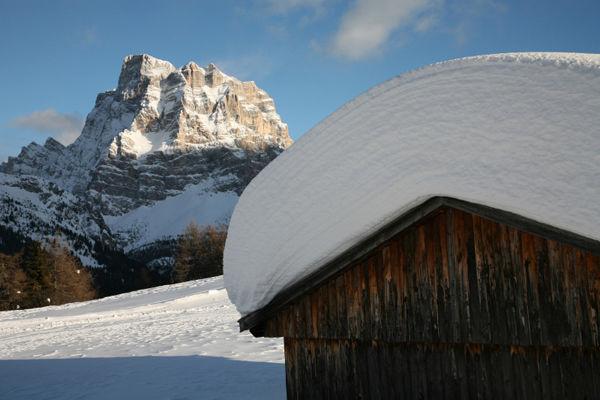 Pelmo - Croda da Lago, il Monte Pelmo visto da ovest -  Stefano Dal Molin