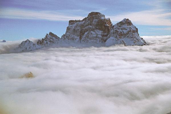 Pelmo - Croda da Lago, il Monte Pelmo visto da nord -  Stefano Dal Molin
