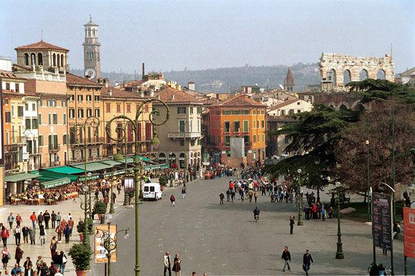 Piazza Bra - Crediti: Comune di Verona