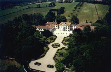 Villa Tiepolo, Passi