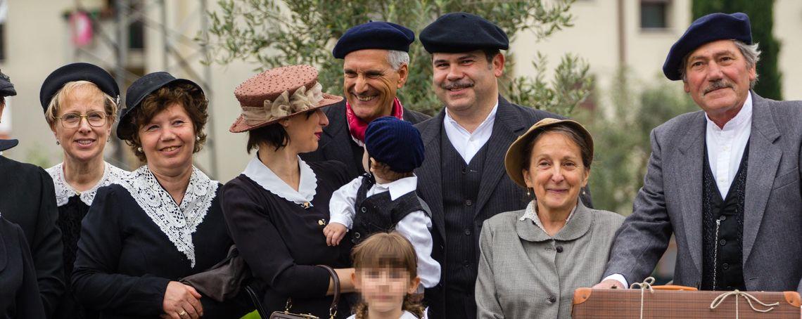 Palio delle Contrade di Romano e Angoli Rustici - Costumi -  Associazione Seriola