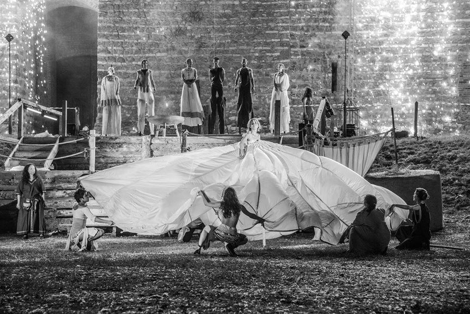 esterno danza paliosparviero - Crediti: Siro Morello